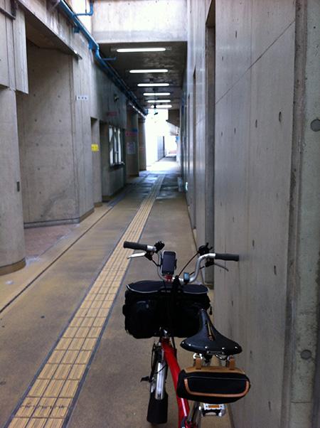江坂公園地下駐輪場