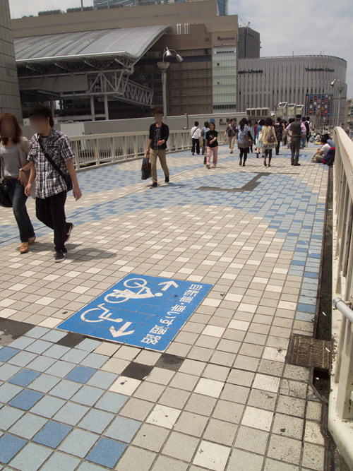 梅田新歩道橋
