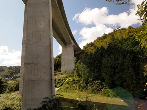 米子自動車道高架