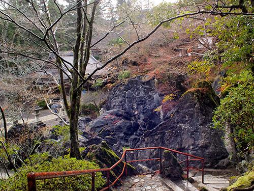 石山寺 国の天然記念物 硅灰石