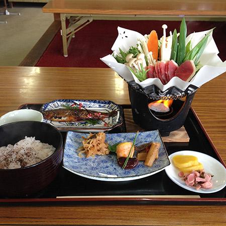 八景茶屋さんの定食