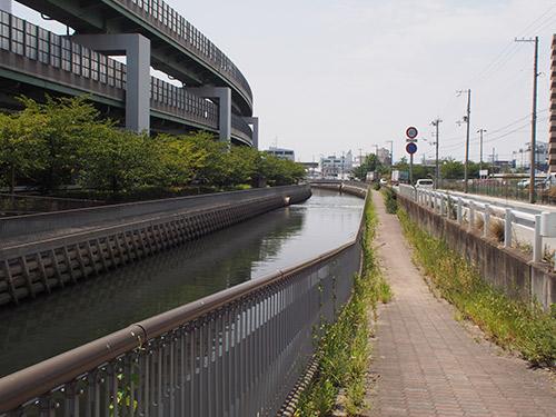 神戸製鋼沿い遊歩道