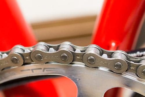 自転車の 自転車 チェーン サビ 油 : 極細ノズル付なので塗るのは ...