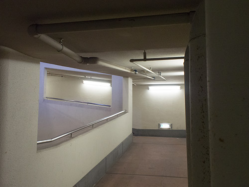 umie地下駐輪場スロープ