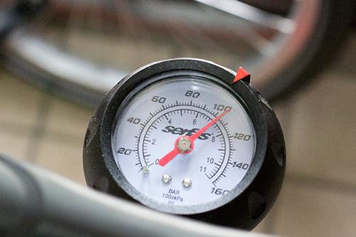 CO2ボンベ空気圧