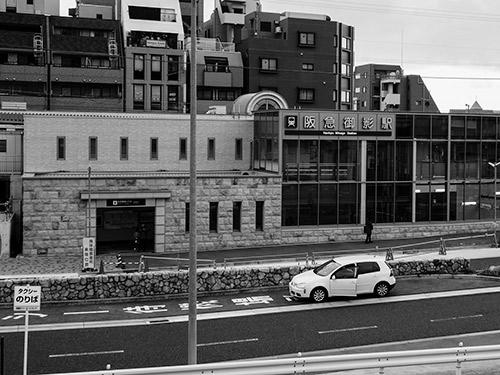阪急電車 御影駅