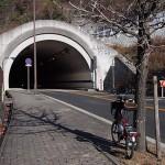 長尾山トンネルを越えて1