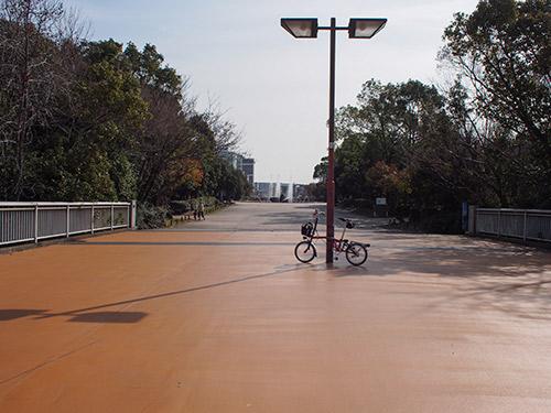 南公園への通路