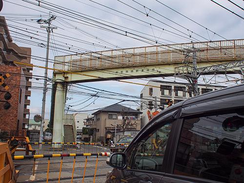 岸辺 歩道橋