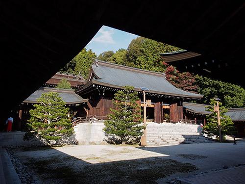 近江神宮 内拝殿
