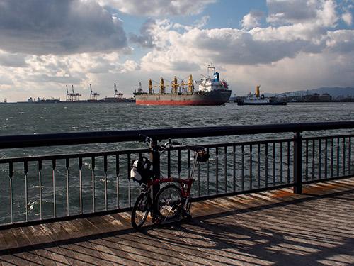 大阪港から夢洲方面