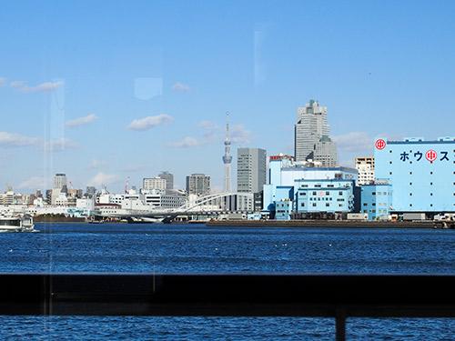 東京湾からスカイツリー