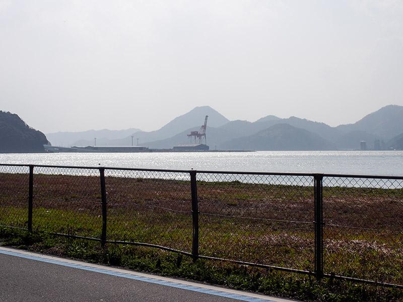 舞鶴国際埠頭 ガントリークレーン