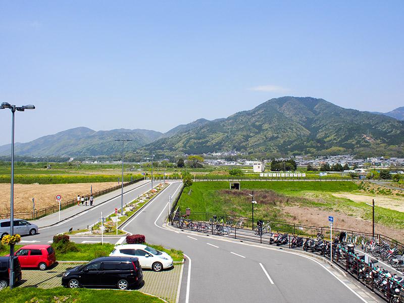 JR亀岡駅北口 のどかめロード展望デッキから 2015