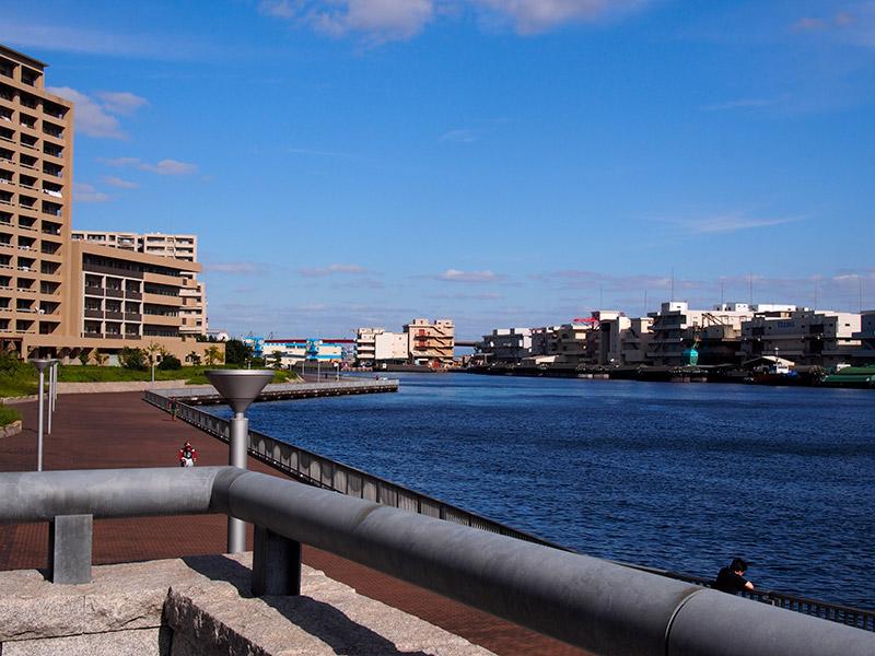 兵庫県立美術館 海側出口から