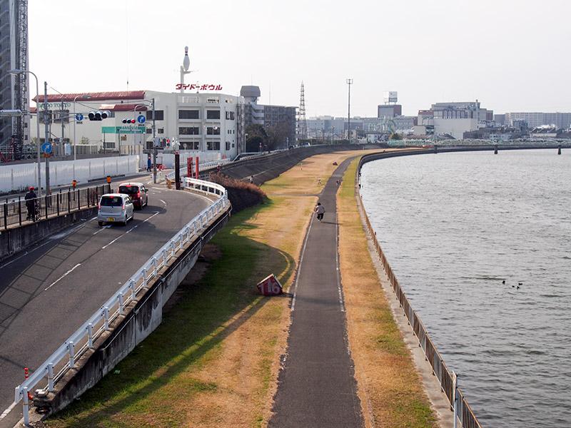 なにわ自転車道 阪急神崎川駅付近