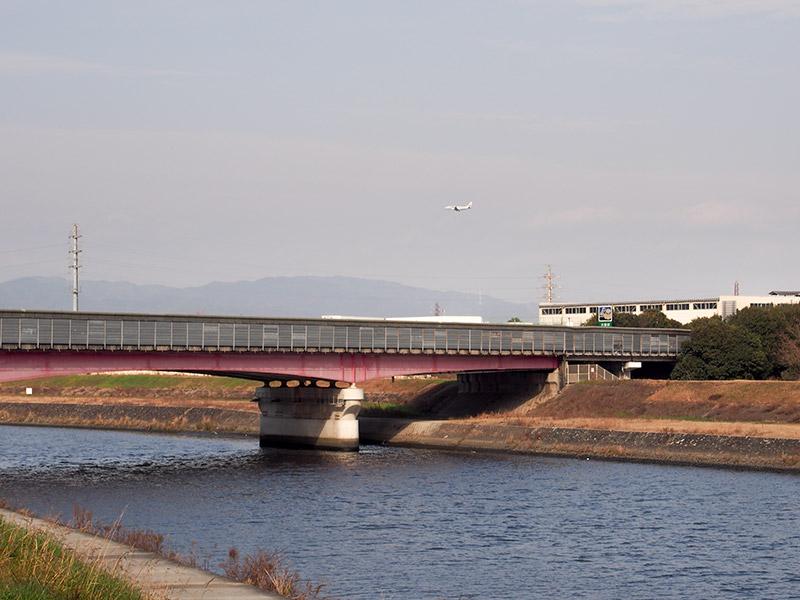 猪名川 名神高速道路