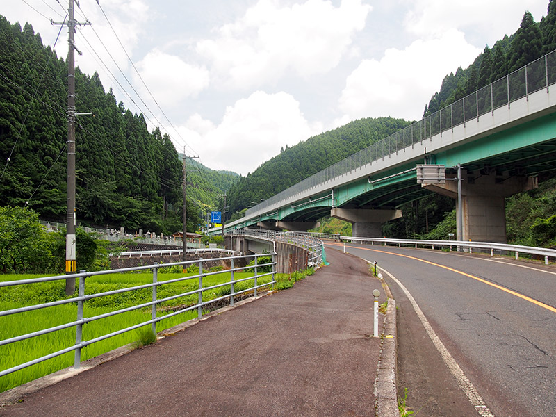 志戸坂トンネルへ