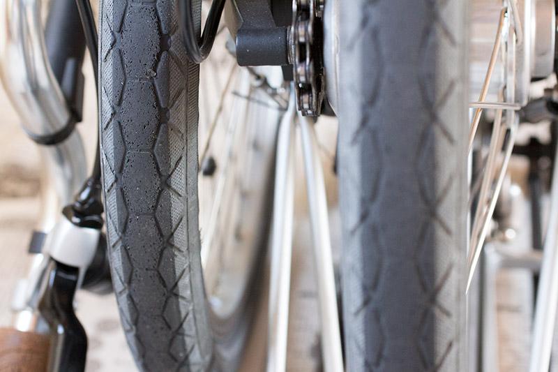 Brompton kevlar tire front