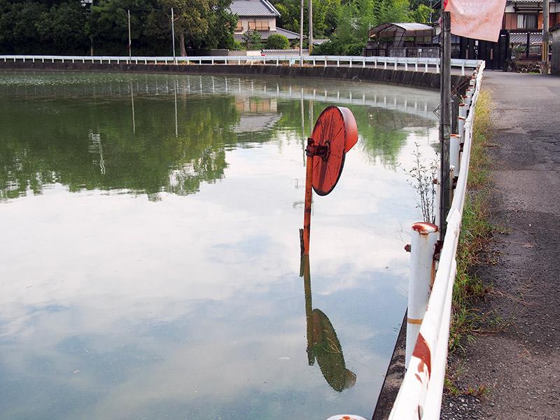 ハジカミ池 カーブミラー