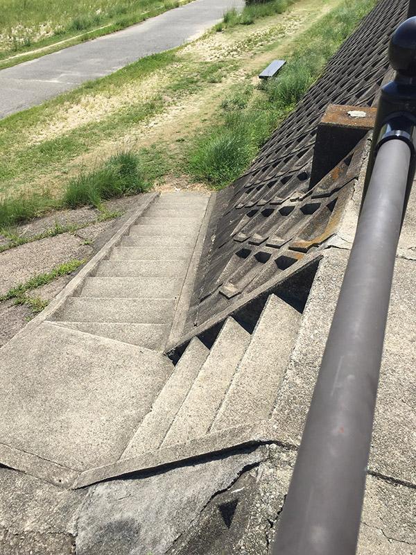 武庫川土手 階段