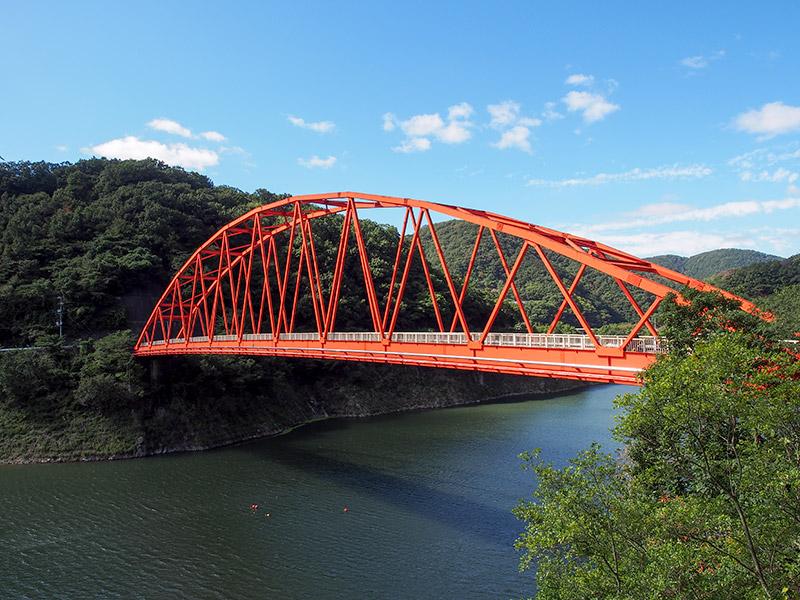 知明さくら橋