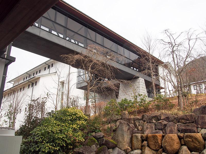 兵庫陶芸美術館