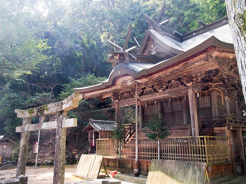 酒滴神社 拝殿 2017