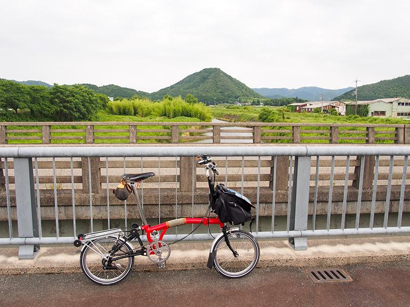 竹田川と小富士山