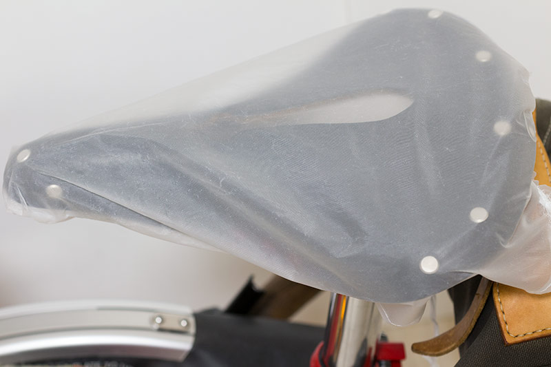 DIY saddle rain-cover