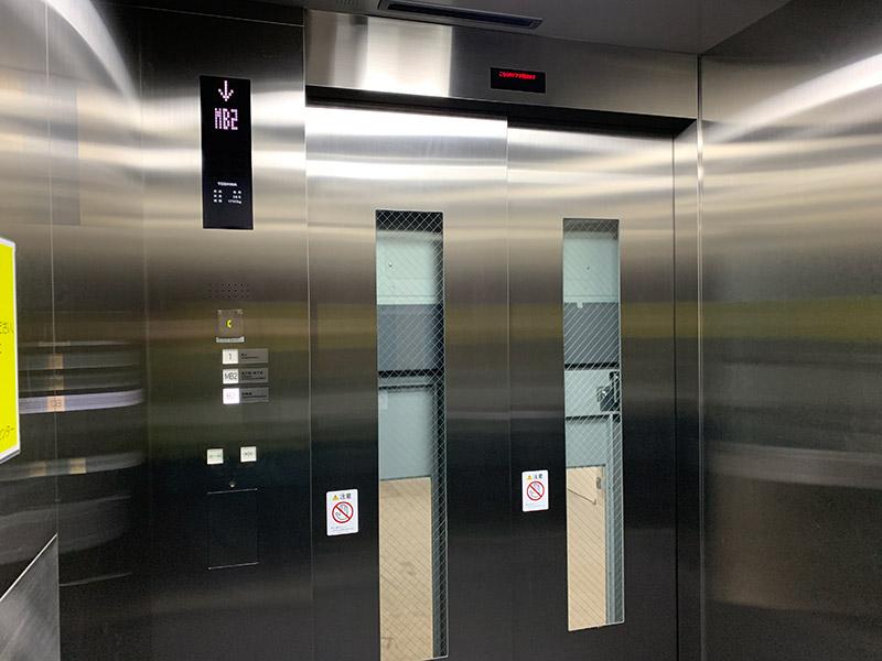 阪神百貨店駐輪場 エレベーター