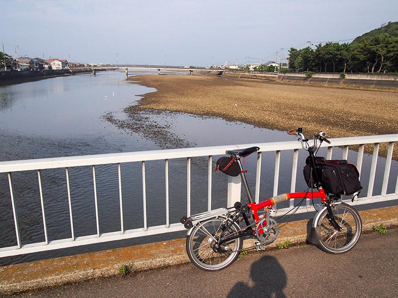 財田川河口付近