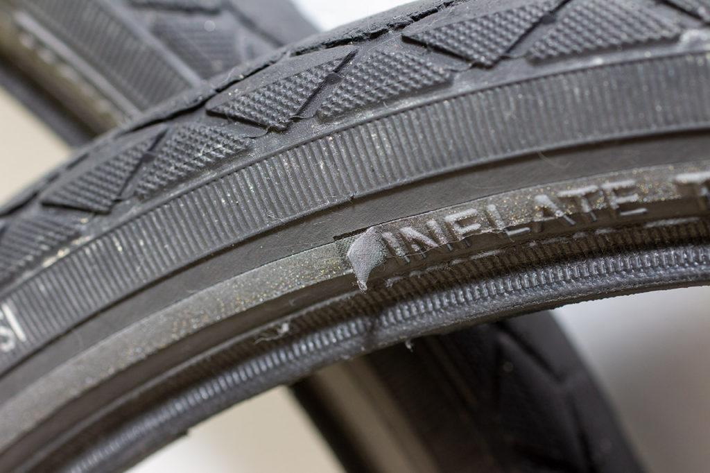 ブロンプトン タイヤ リフレクター剥がれ