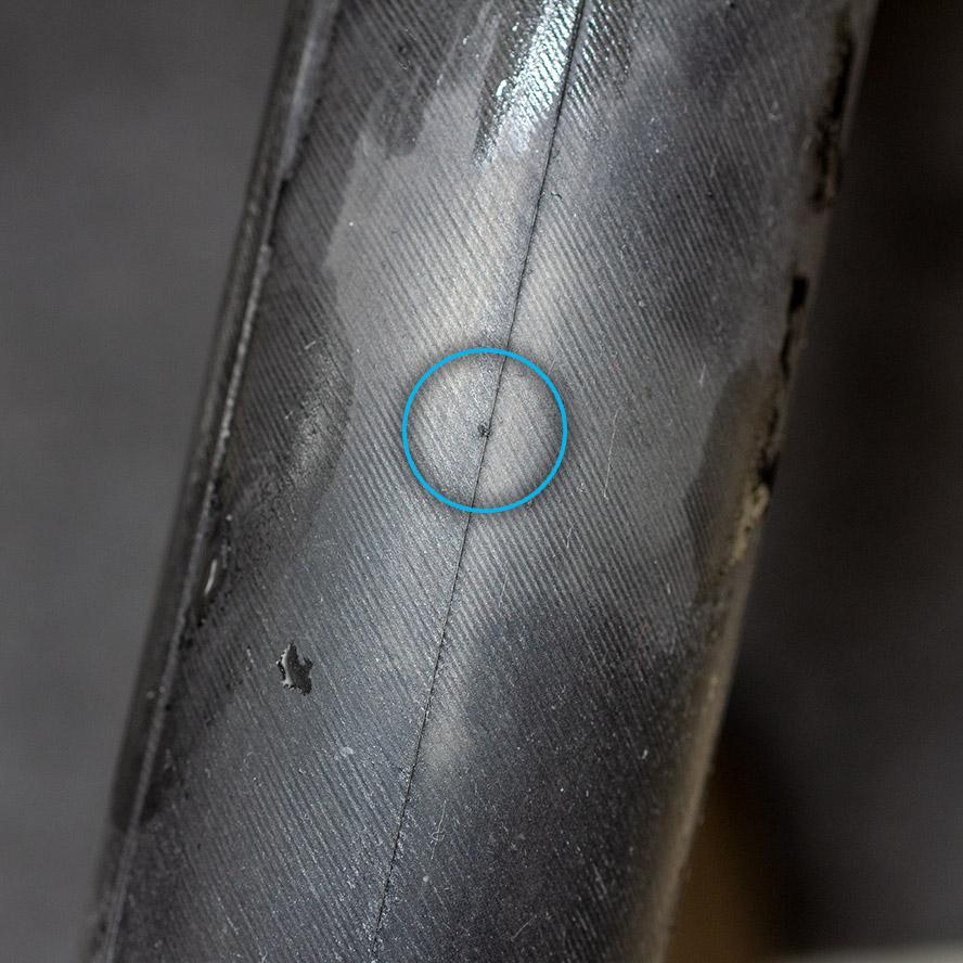 ブロンプトン タイヤチューブ 穴