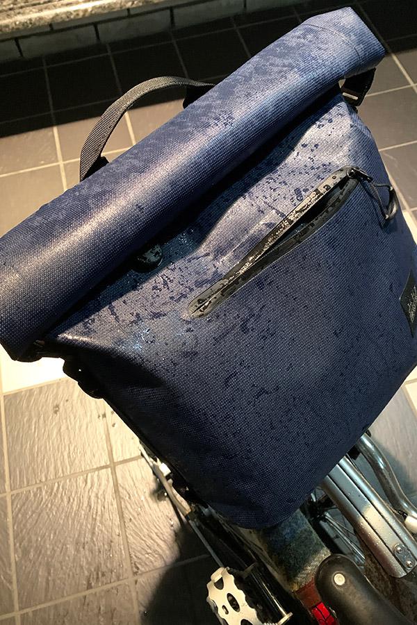 Borough 防水スモールバッグ