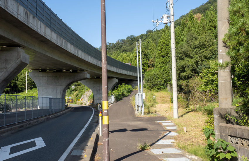 R27 美浜東バイパス 国吉城トンネル 自転車