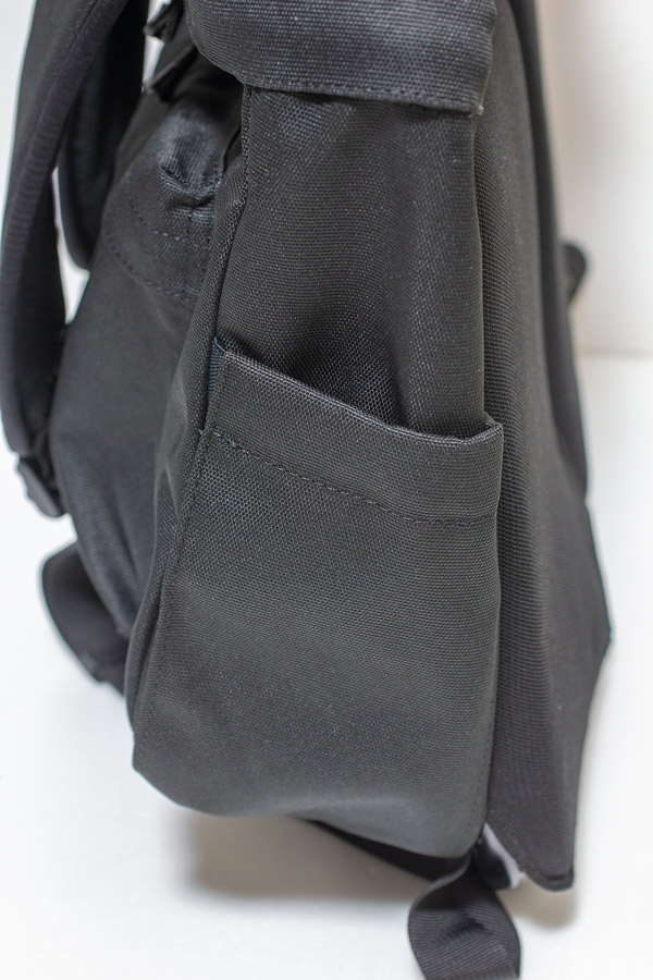 Metro Backpack サイドポケット