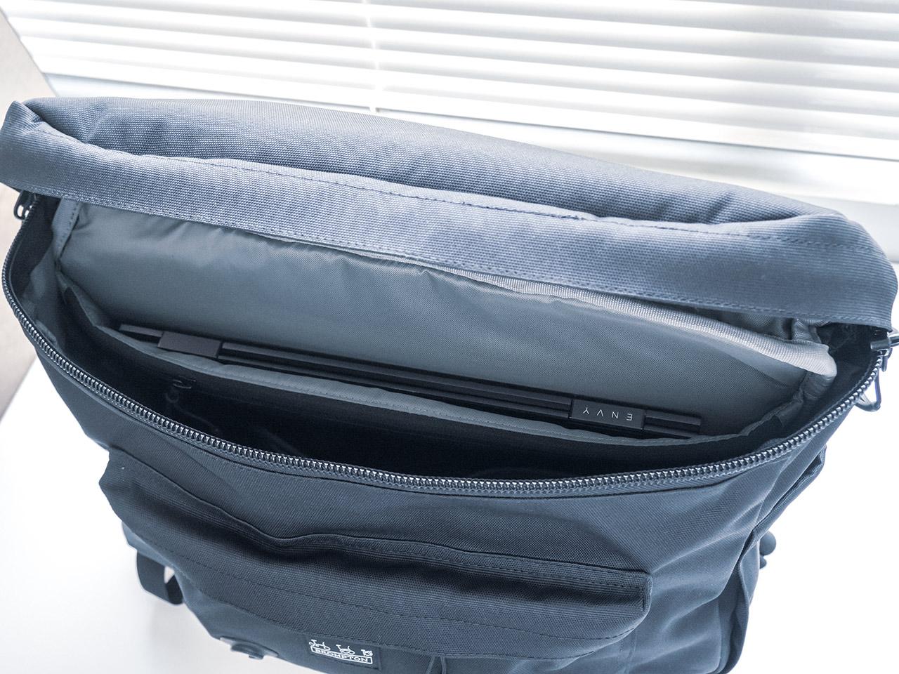 Metro Backpack ラップトップポケット
